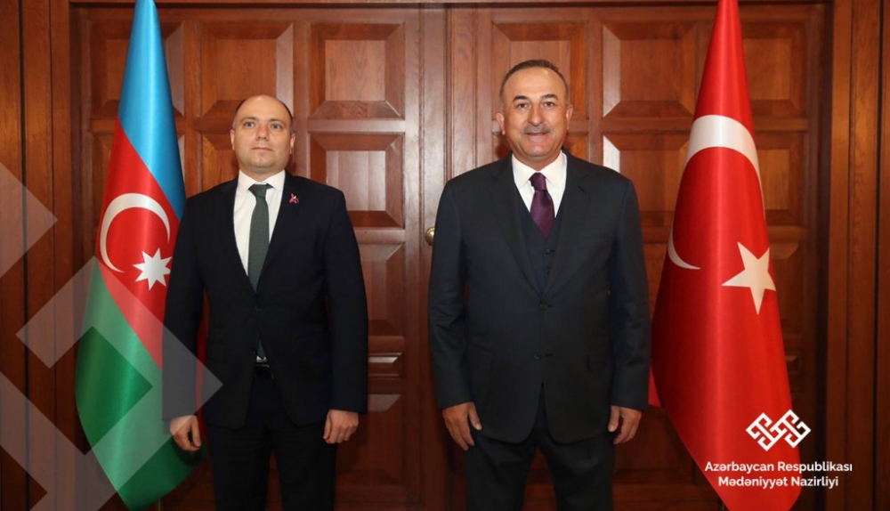 Azerbaijani culture minister meets with Turkish FM