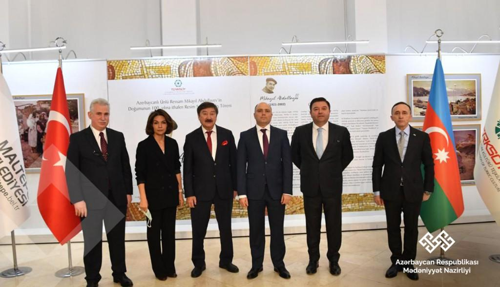 Culture Minister meets with art figures in Istanbul